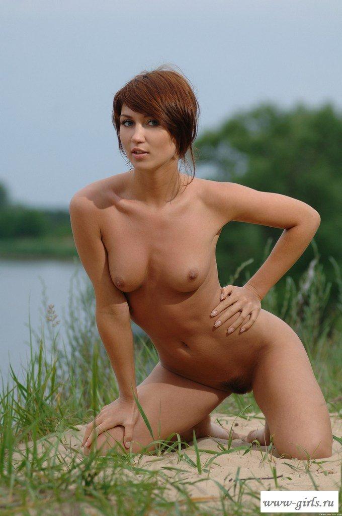 Сексуальные упражнения на берегу реки