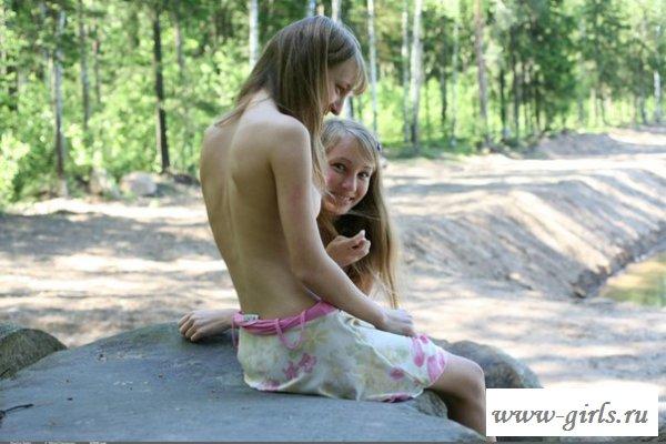 Отлично провели время с голыми сестричками