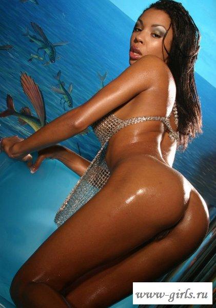 Классное блестящее тело негритянки - голые африканки