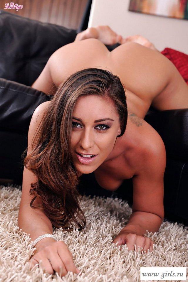 Голая Rilynn Rae порнозвезда в эротике