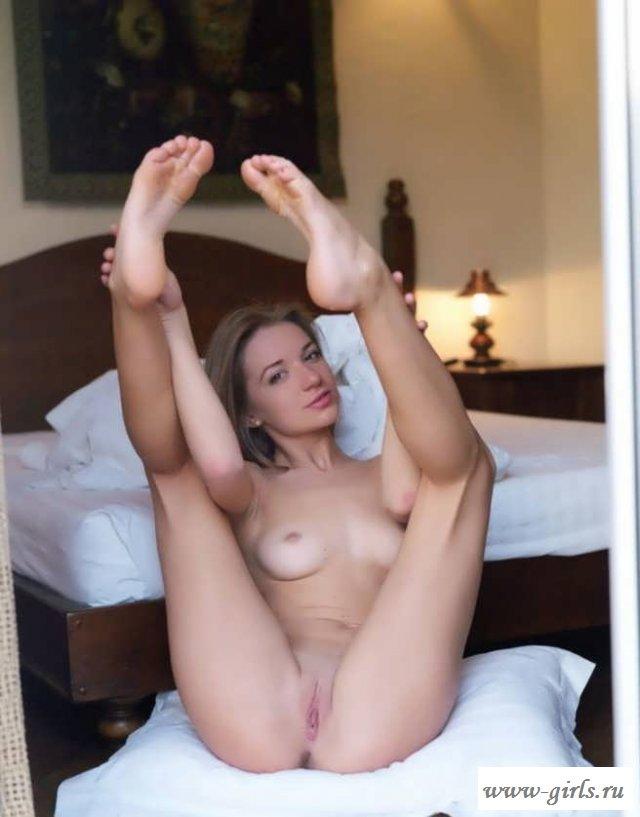 Обнаженное влагалище фото возбужденной девушки (15 эротики)