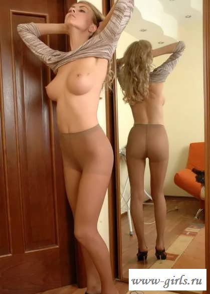 Голые в чулках пиздушки девчат (34 фото эротики)
