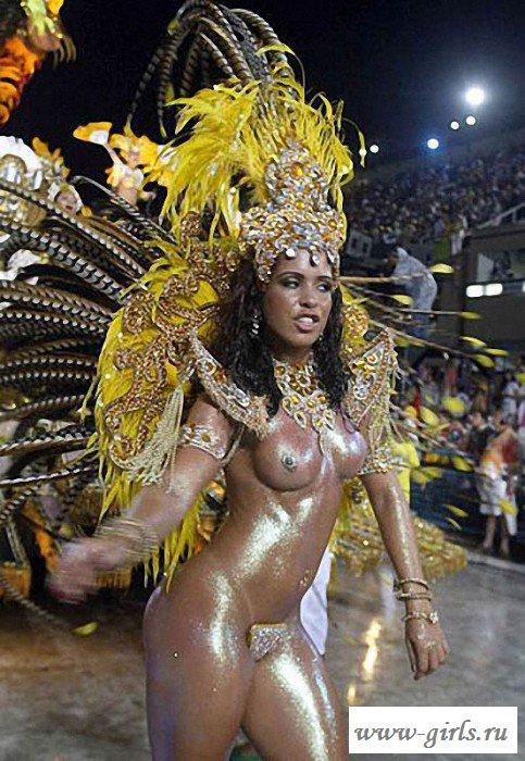 girl-jerking-nude-carnival-fucking-lion-beautiful-nude