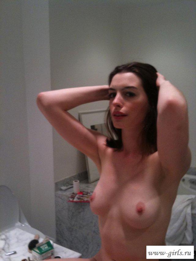 Украденные фото сексуальной Энн Хэтэуэй