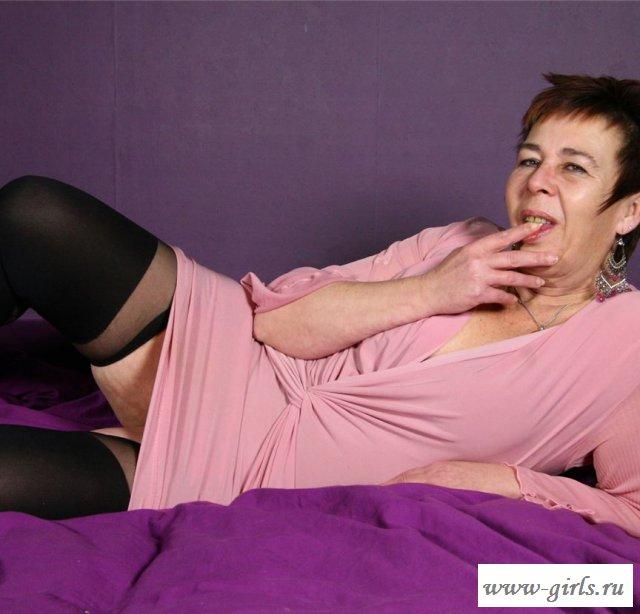 Голая бабуличка умеет стильно одеваться