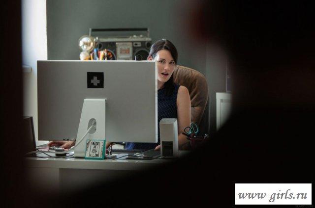 Порно секретарши и начальника в офисе